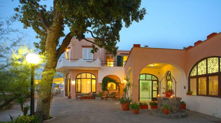 Hotel la madonnina casamicciola terme for Resort termali in cabina